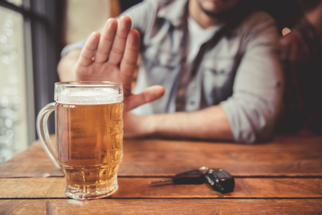 Quit Drinking: 6 Inspirational Tips To Help You Avoid Alcohol In Socia